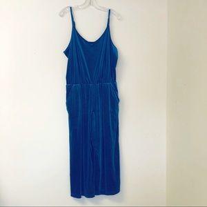 Old Navy blue velvet jumpsuit with pockets size L